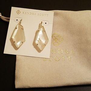 Kendra Scott Emmie Earrings AUTH EUC